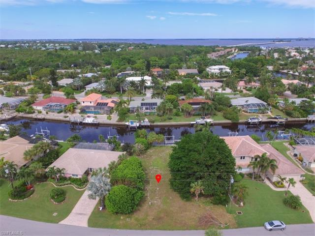 976 Whelk Dr, Sanibel, FL 33957