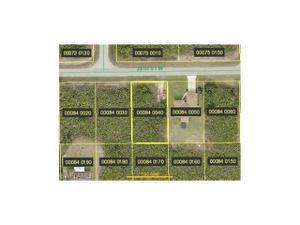 2513 28th St W, Lehigh Acres, FL 33971