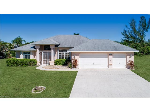 221 Sw 37th Ln, Cape Coral, FL 33914