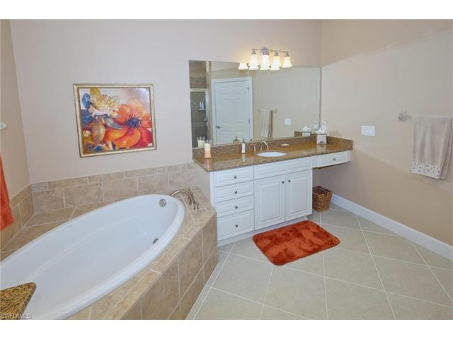 10330 Glastonbury Cir 102, Fort Myers, FL 33913