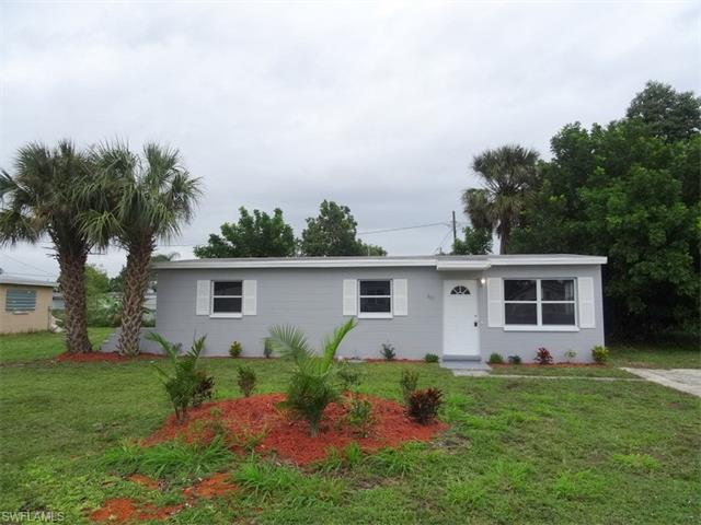 882 Hyacinth St, North Fort Myers, FL 33903