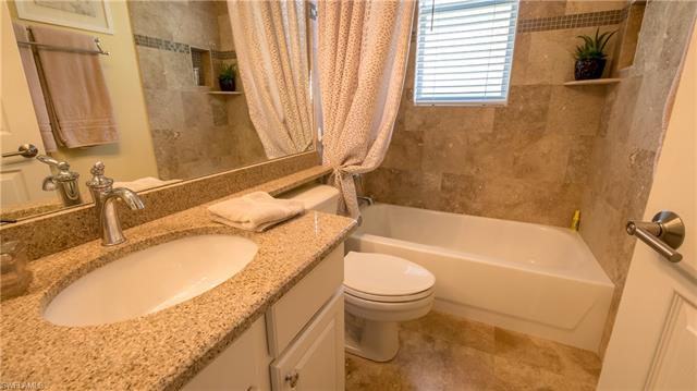 8725 Brittania Dr, Fort Myers, FL 33912