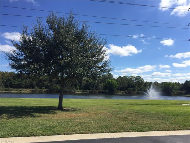 3642 Pine Oak Cir 108, Fort Myers, FL 33916