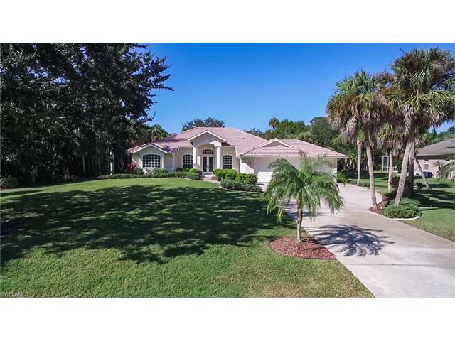 12711 Treeline Ct, North Fort Myers, FL 33903