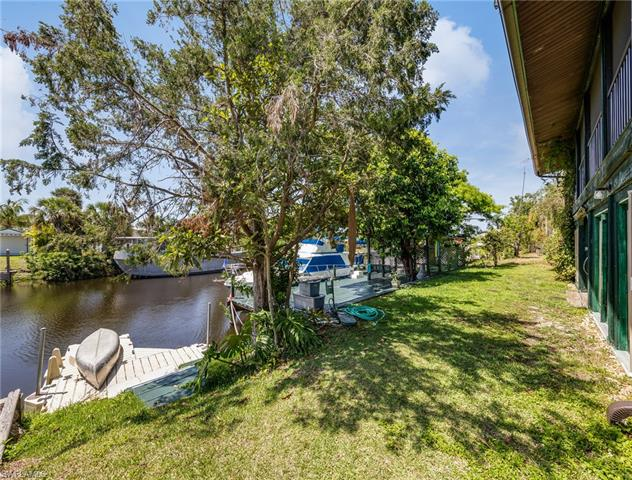 1120 Schooner Ln, Moore Haven, FL 33471