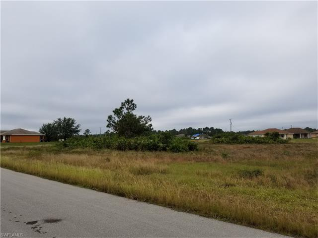728 Oakridge Ave S, Lehigh Acres, FL 33974