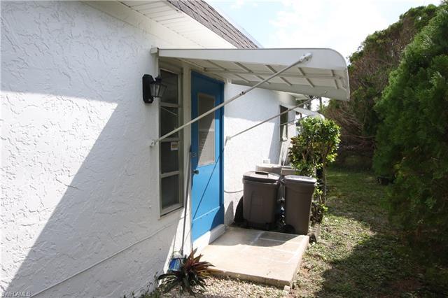 63 Tangerine Ct, Lehigh Acres, FL 33936
