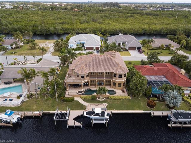 6801 Danah Ct, Fort Myers, FL 33908