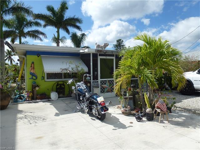 11473 Island Ave, Matlacha, FL 33993