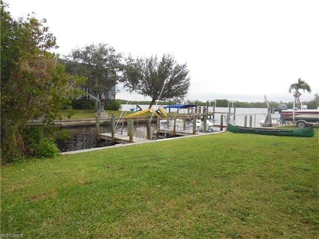 12230 Shoreview Dr 2, Matlacha, FL 33993