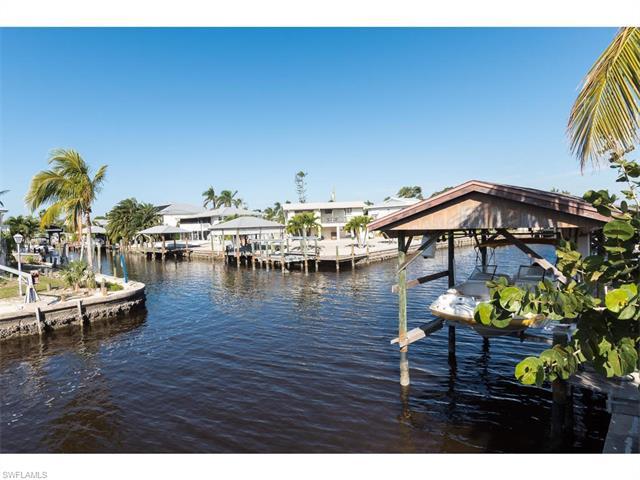 321 Seminole Way, Fort Myers Beach, FL 33931