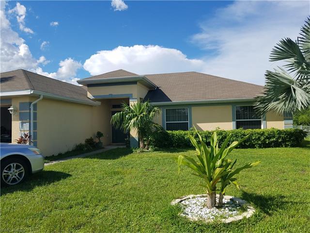 420 Windermere Dr, Lehigh Acres, FL 33972
