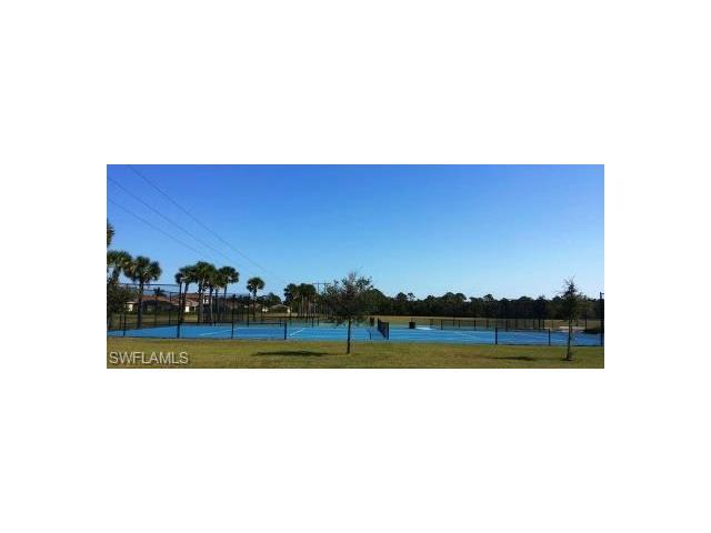 2564 Keystone Lake Dr, Cape Coral, FL 33909