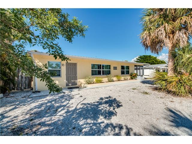 155 Hibiscus Dr, Fort Myers Beach, FL 33931