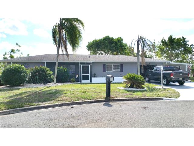 610 Grandview Ct, Lehigh Acres, FL 33936