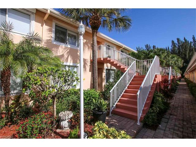 2390 Bayou Ln 8, Naples, FL 34112