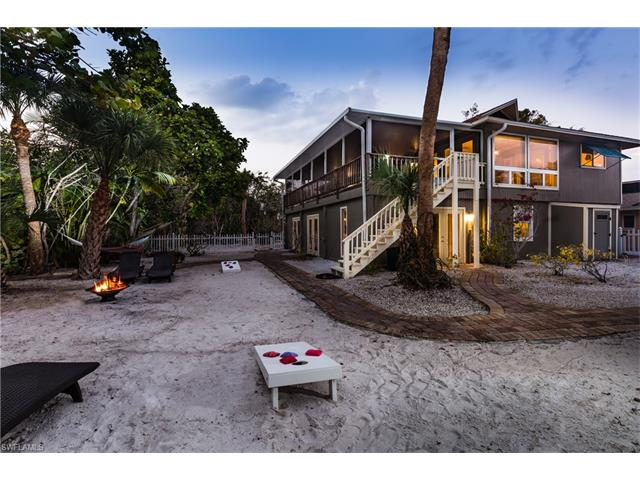 110 Curlew St, Fort Myers Beach, FL 33931