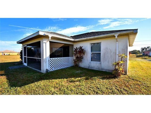 204 Nw 15th Pl, Cape Coral, FL 33993