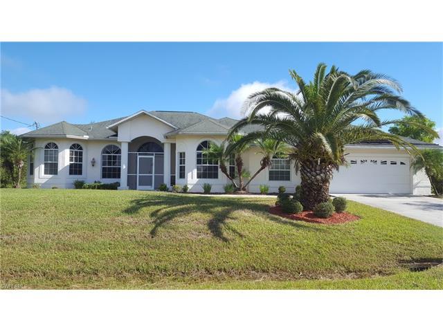 673 Mirror Lakes Ct, Lehigh Acres, FL 33974