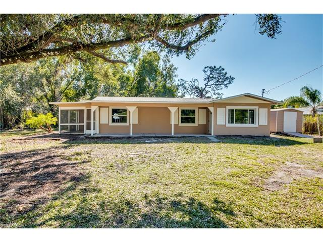 713 Queens Dr, North Fort Myers, FL 33903