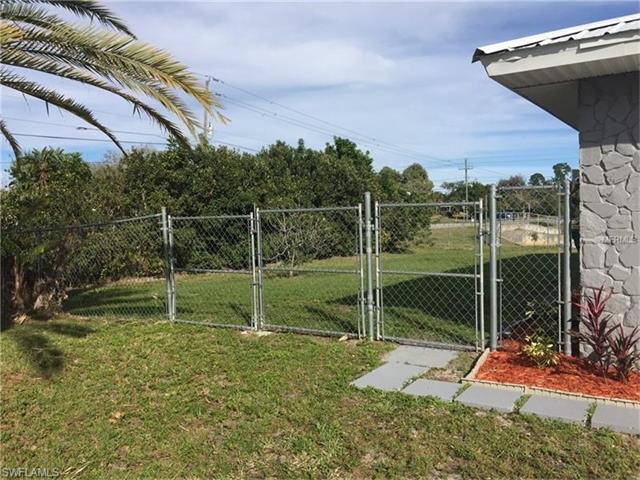 3022 Saint James St, Port Charlotte, FL 33952