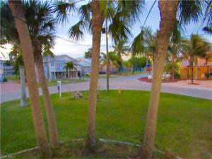 581 Palermo Cir, Fort Myers Beach, FL 33931