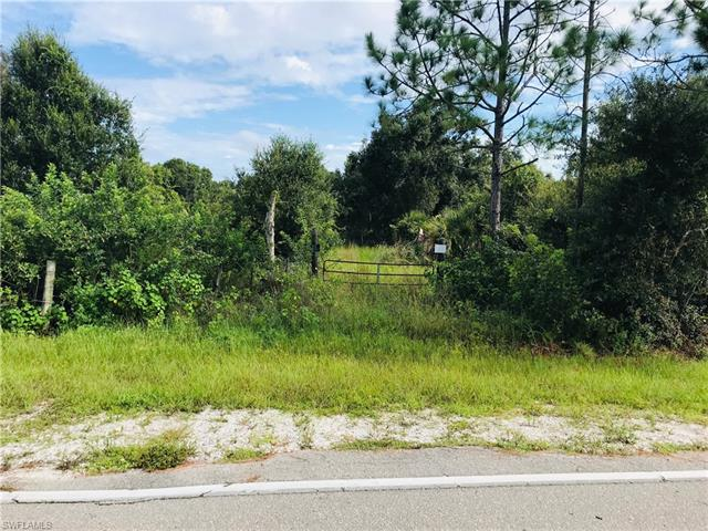 6751 Rich Rd, North Fort Myers, FL 33917