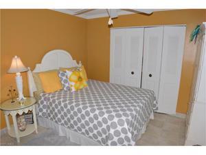 7871 Buccaneer Dr, Fort Myers Beach, FL 33931