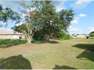3102 2nd St Sw, Lehigh Acres, FL 33976