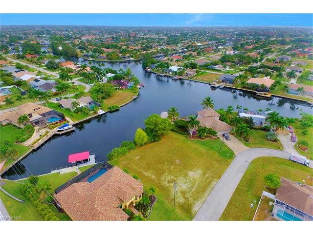 2029 Sw 52nd St, Cape Coral, FL 33914