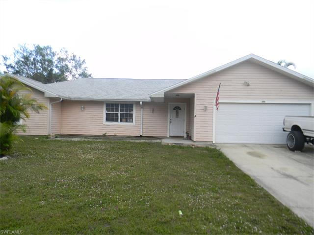 555 Santa Cruz St, North Fort Myers, FL 33903