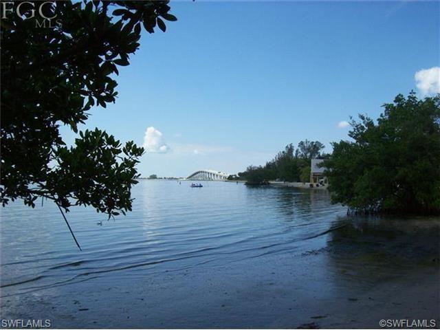 18351 Mcgregor Blvd, Fort Myers, FL 33908