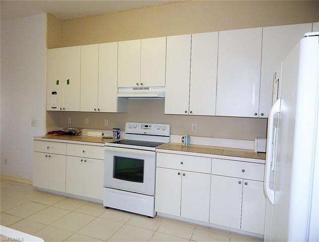 3016 Lake Manatee Ct, Cape Coral, FL 33909