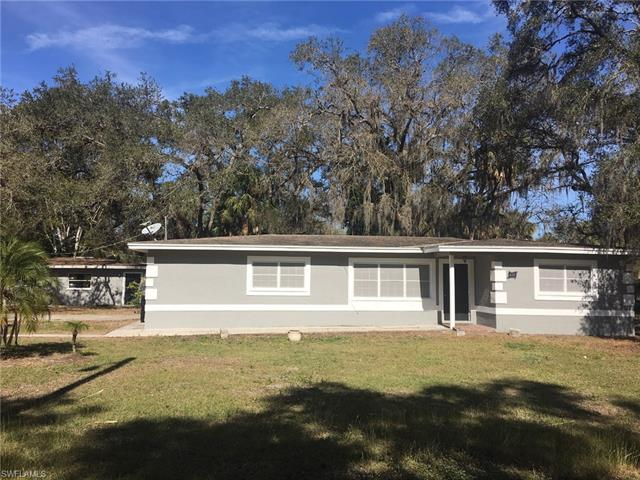 438 7th Ave, Labelle, FL 33935