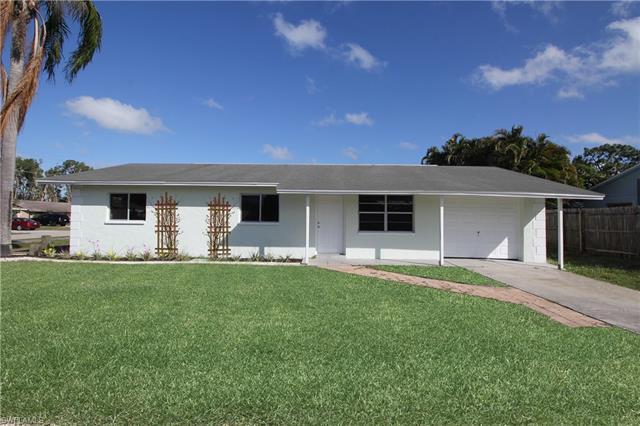 9017 Pineapple Rd, Fort Myers, FL 33967