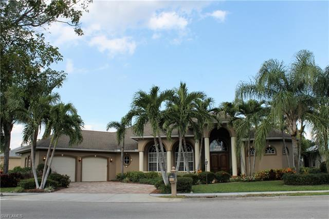 1515 Inventors Ct, Fort Myers, FL 33901