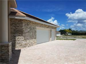 1405 Sw 38th St, Cape Coral, FL 33914