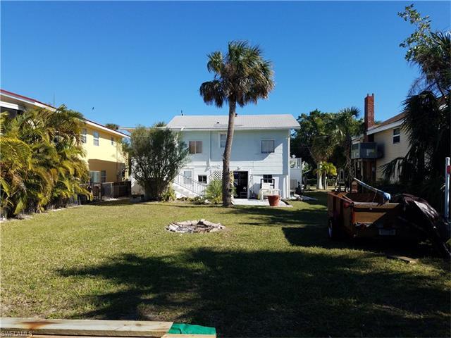 243 Palermo Cir, Fort Myers Beach, FL 33931