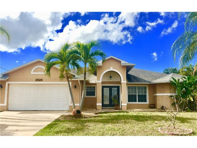 2528 Surfside Blvd, Cape Coral, FL 33914