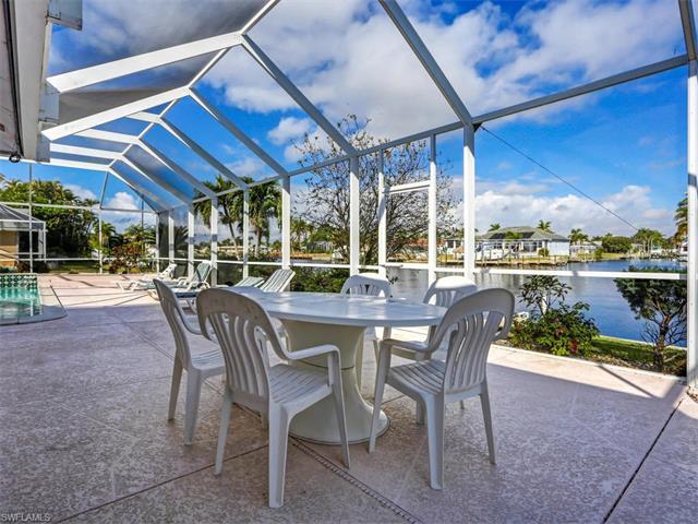 445 Bayshore Dr, Cape Coral, FL 33904