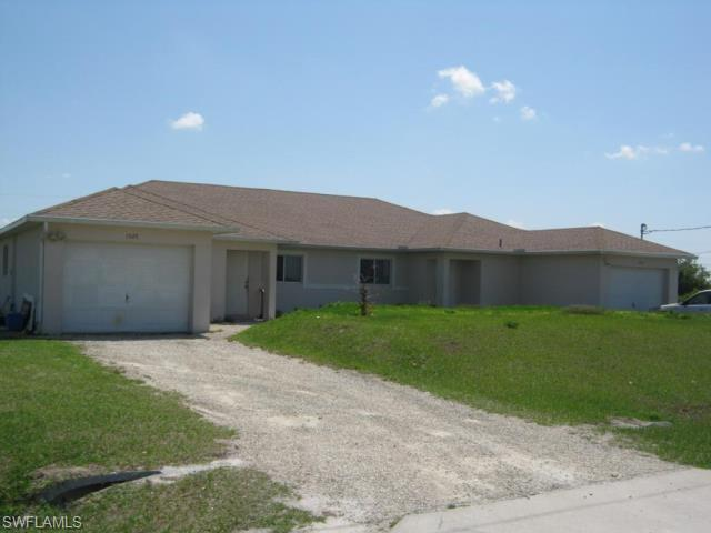 1525 Gilbert Ave S, Lehigh Acres, FL 33973