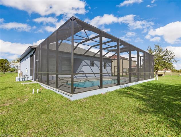 1011 Nw 16th Pl, Cape Coral, FL 33993