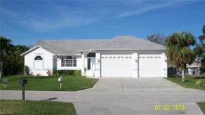 17586 Moorfield Dr, Fort Myers, FL 33908
