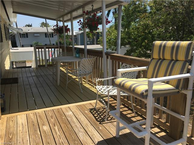 269 Driftwood Ln, Fort Myers Beach, FL 33931