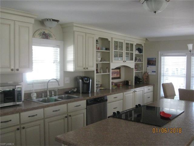 39 Coves End Dr, Fort Myers, FL 33908