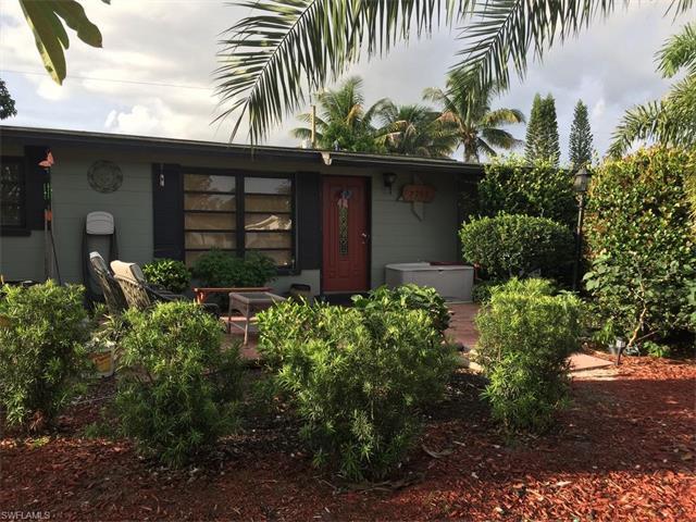 2203 Brandon St, Fort Myers, FL 33907