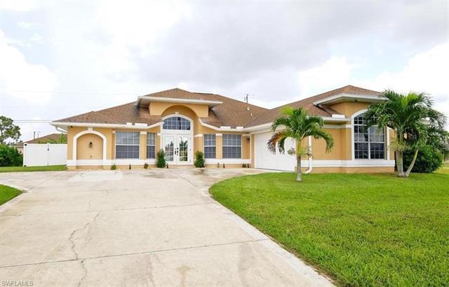 3829 Agualinda Blvd, Cape Coral, FL 33914
