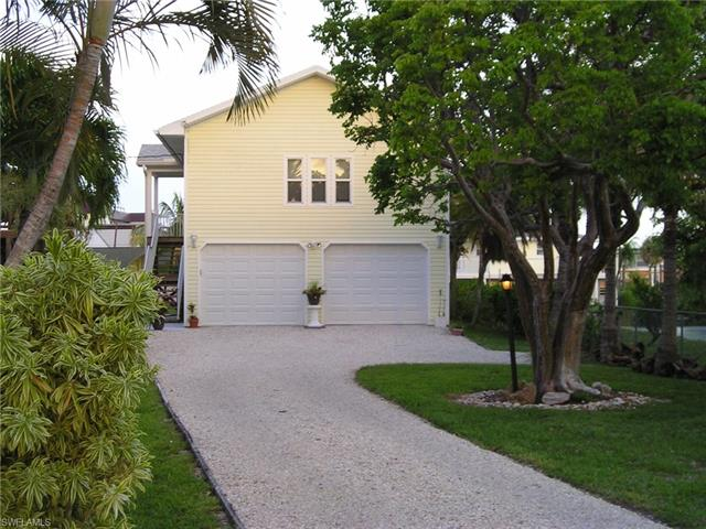 745 Matanzas Ct E, Fort Myers Beach, FL 33931