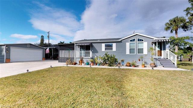 12170 Hibiscus Dr, Fort Myers, FL 33908