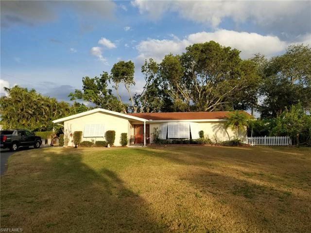 1087 Brevity Ln, Fort Myers, FL 33919